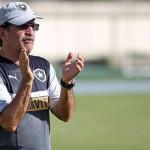 SS Press/Facebook Oficial do Botafogo Objetivos: René Simões ainda analisa vitória sobre o Nova Iguaçu antes de mirar o Flamengo