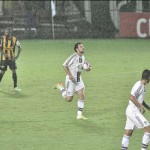 Orientação: Fred quer o Fluminense motivado para buscar vitória diante do Vasco (Foto: Paulo Dimas)