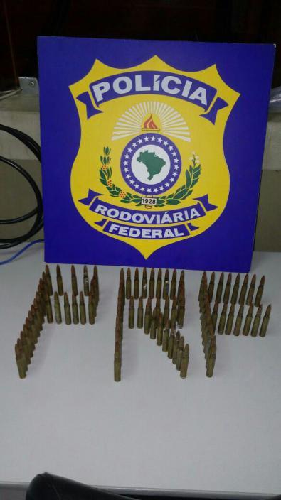 Material apreendido (Foto: Cedida pela Polícia Rodoviária Federal)