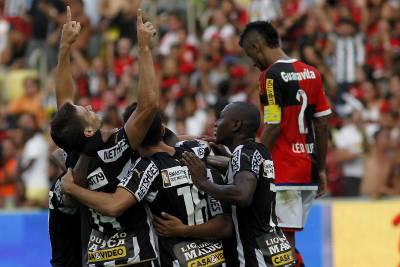No primeiro clássico do ano: Botafogo conta um pouquinho com a sorte e leva a melhor sobre o Flamengo (Foto: Flickr/Botafogo Oficial)