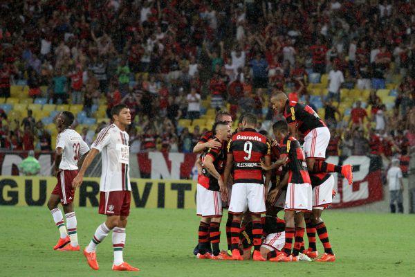 Resultado de imagem para Fluminense x Flamengo 2016