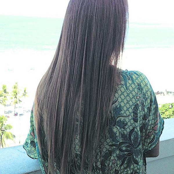 Liso: Escova progressiva realinha os fios diminuindo o indesejável frizz, dando brilho e suavidade ao cabelo  (Foto: Divulgação)