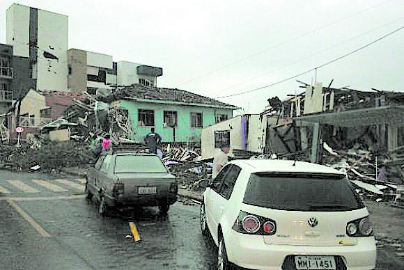 Xanxerê: Sem aviso, sem abrigo, sem escapatória (Foto: Defesa Civil de Santa Catarina )