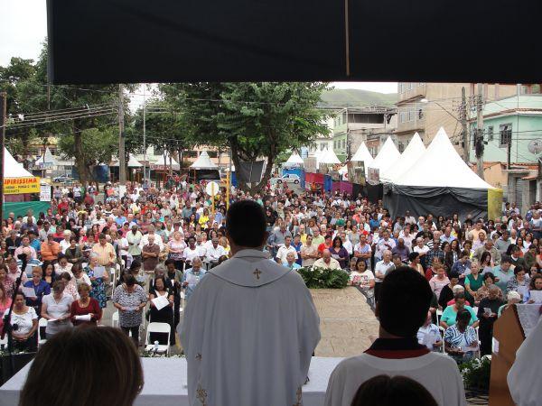 Foto: Júlio Amaral Celebração: Padre Juarez conduz missa sertaneja