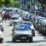 Nas ruas: Número de veículos que entraram em circulação na região é menor que o de 2014 (Foto: Arquivo)
