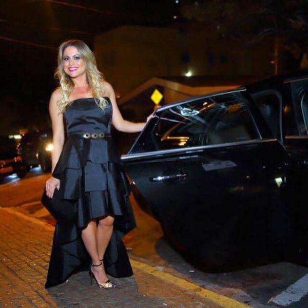 A advogada Flávia Malheiros, quando chegava para o lançamento de seu blog