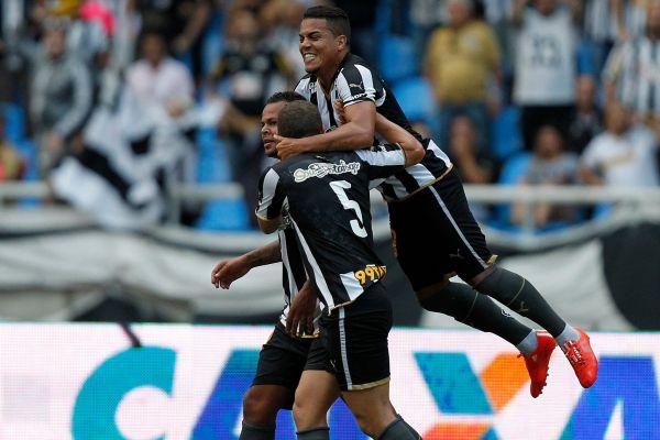 Estrelando: Bill foi um dos nomes do jogo em que Botafogo goleou
