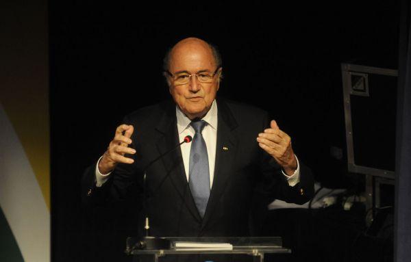 Hipóteses: Blatter pode voltar atrás e permanecer no comando da Fifa (Foto: Divulgação)