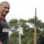 Balançando: Cristóvão Borges espera por vitória para amenizar pressão na Gávea (Foto: Gilvan de Souza)