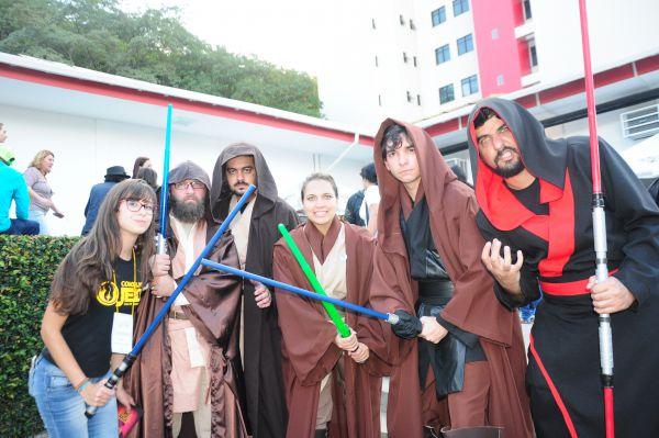 União: Integrantes do Conselho Jedi se divertiram enquanto promoveram boas ações na Anime Fest (Foto: Paulo Dimas)