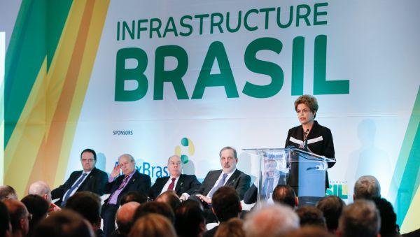 Dilma: 'Eu não aceito e jamais aceitarei que insinuem sobre mim ou sobre minha campanha' (Foto: ABr)