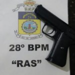 Réplica de pistola foi apreendida em Barra Mansa (foto: Cedida pela PM)
