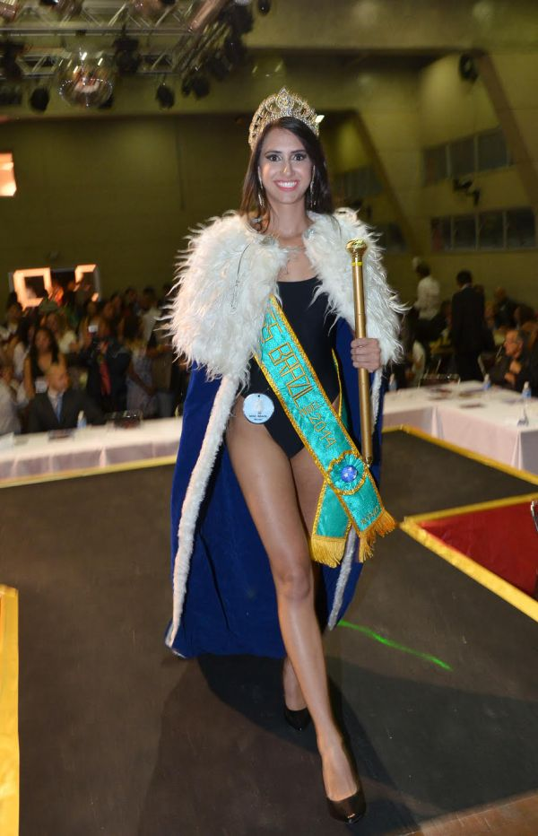Larissa Lélis (18) da cidade de Goiânia, 1,72cm de altura, busto 86, cintura 60, quadris 90cm, é a Miss Brazil Model® 2014Foto: J. Domingo