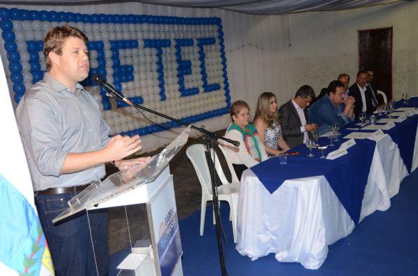Profissionalização: Presente na formatura, Gustavo Tutuca comemorou os resultados da secretaria que comanda (Foto: Divulgação)