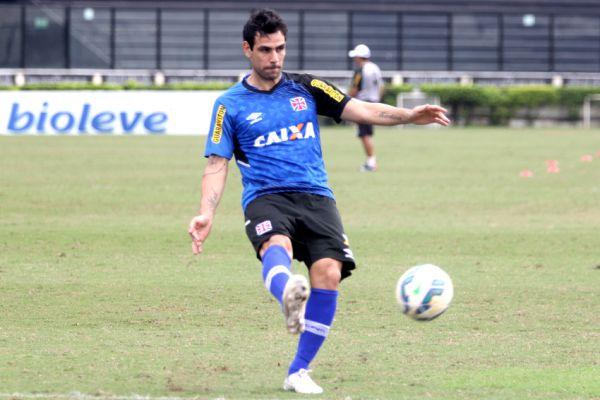 Atacando: Herrera vai estar em campo para ajudar o Vasco a garantir a classificação (foto: Divulgação)