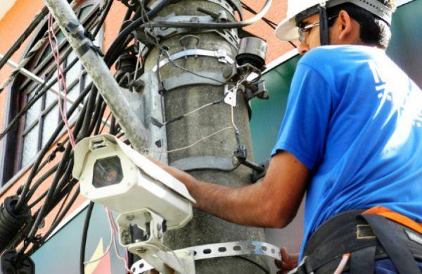 Monitoramento: Câmeras foram instaladas no centro de Piraí e no distrito de Arrozal; objetivo é coibir crimes(Foto: Divulgação PMP)