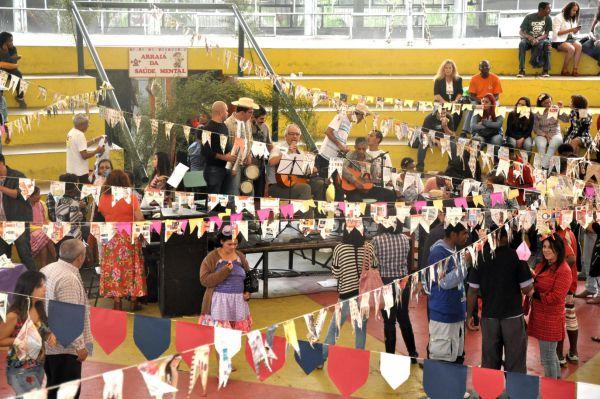 Integração: Evento realizado no Memorial Zumbi, na Vila Santa Cecília, reuniu mais de 100 pessoas, entre usuários e familiares(Foto: Divulgação PMVR)