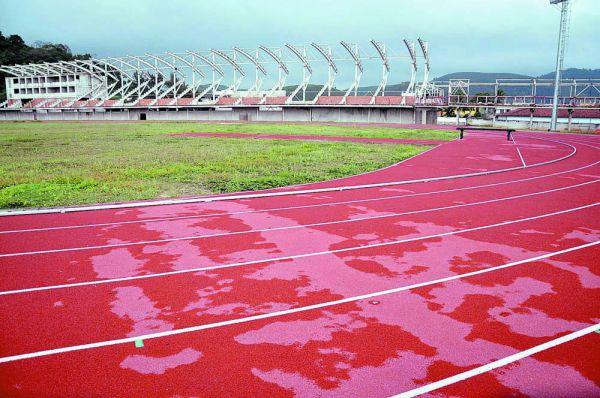 Futura referência: Arena no bairro Voldac já tem a pista de atletismo pronta e agora está por detalhes da conclusão  (Fotos: Divulgação PMVR)