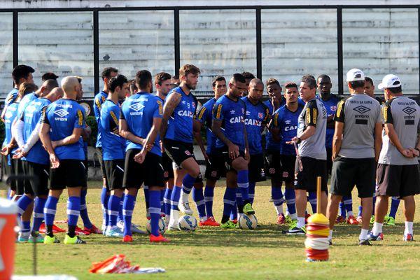 Provação: Jorginho fará sua estreia em momento delicado e diante do maior rival