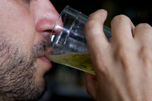 Dependência em bebida  também é tratada em clínicas (Marcos Santos/USP Imagens)