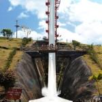 Do alto: Kilimanjaro, maior toboágua do mundo segundo o Guinness Book, com 49,9 metros de altura será um dos desafios dos amigos(Foto: Divulgação)
