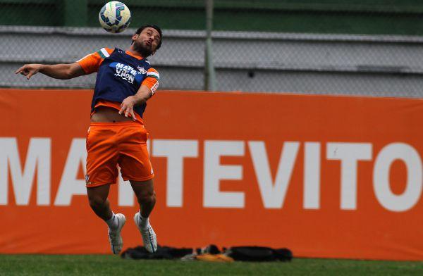 Voltando  Fred deve retornar em momento crítico do Fluminense (Foto   DIvulgação) 1571c6d2b89c8
