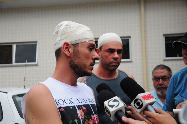 Rodrigo e Silvio estão entre os feridos em acidente de ônibus em Paraty (foto: Paulo Dimas)