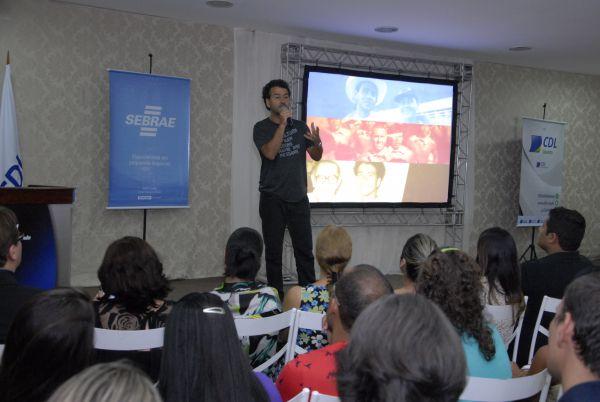 Marcos Palmeira faz palestra no CDL de Volta Redonda (foto: Carlos Caldeira - CDL)