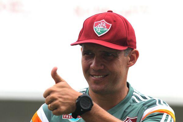 Positivo: Eduardo Baptista quer sua equipe jogando para frente diante do Verdão (Foto: Divulgação)