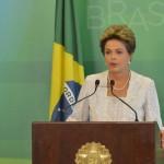 Brasília - A presidenta Dilma Rousseff anuncia mudanças em seu ministério durante declaração à imprensa no Palácio do Planalto (foto: Antonio Cruz/ Agência Brasil)