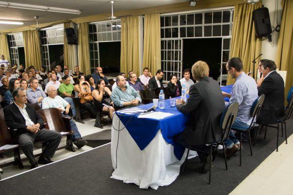 Debate: Depois da audiência, Jonas Marins afirmou que vai convidar a Comissão Ambiental Sul para traçar plano de ação (Foto: Sergio Fortuna – PMBM)
