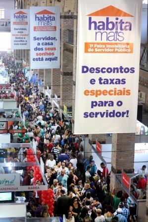 19.09.2015 - Rio de Janeiro - RJ - Primeiro dia do programa Habita Mais, no centro do Rio de Janeiro. Foto: Carlos Magno.