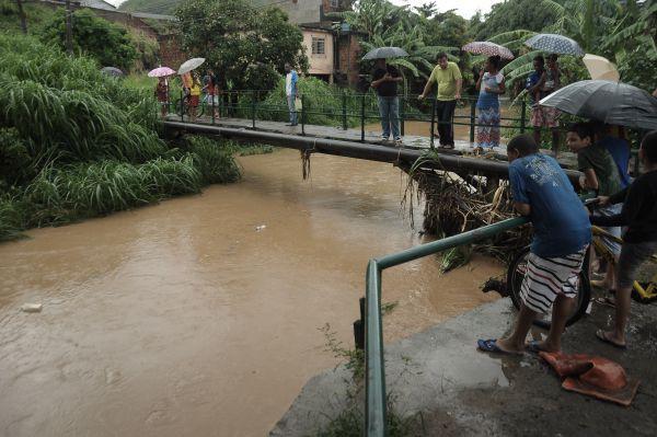 Risco de transbordar: Situação do Rio Barra Mansa, que corta diversos bairros, é uma das preocupações do município (Foto: Arquivo)
