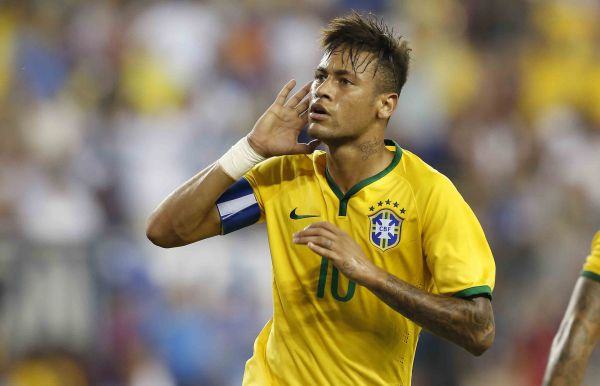 Em campo  Neymar está de volta à Seleção Brasileira para os jogos contra  Argentina e 2c1a1d2310ae3
