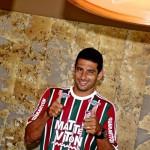 De volta: Diego Souza assina contrato até o fim de 2018 com o Fluminense