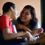 União: Lucélia Freitas e o filho Crystian (Marcello Casal Jr/Agência Brasil)