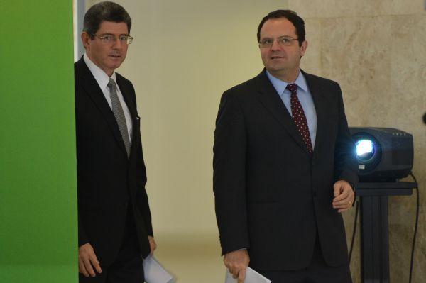 Trocou: Joaquim Levy deixa o Ministério da Fazenda e Nelson Barbosa ssume