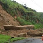 Queda de barreira aconteceu na estrada que dá acesso a Usina do Funil (Foto: Divulgação PMI)