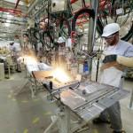 Produção: Novos postos de trabalho serão abertos na fábrica da Nissan em Resende (Foto: Paulo Dimas)