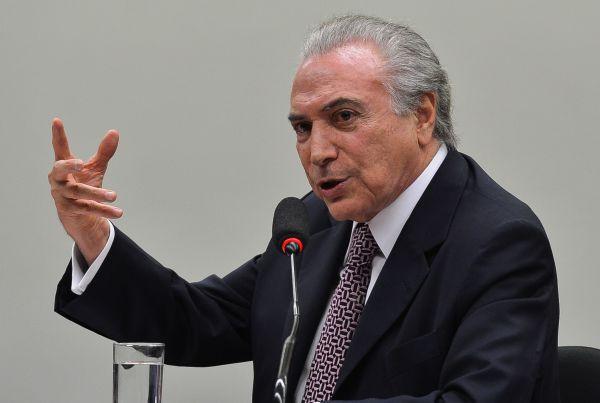 Mudança: Temer sinaliza abrandar crise com Dilma (Foto: Arquivo)
