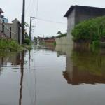 Transtornos: Rio Perequê transbordou devido às chuvas do fim de semana