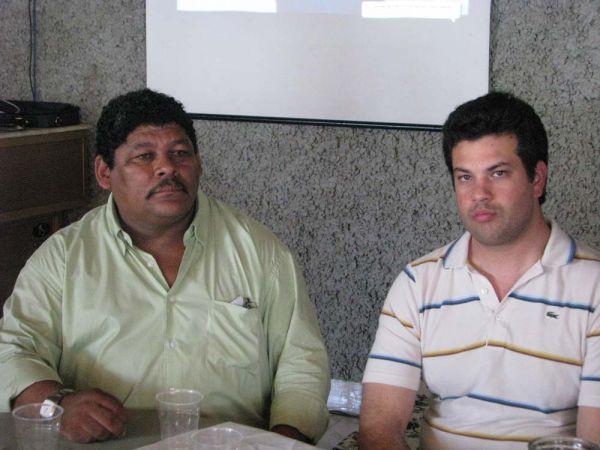 Parceria: A pedido de Caloca (à esquerda) Leonardo Picciani destinou R$ 800 mil para ginásio em Resende