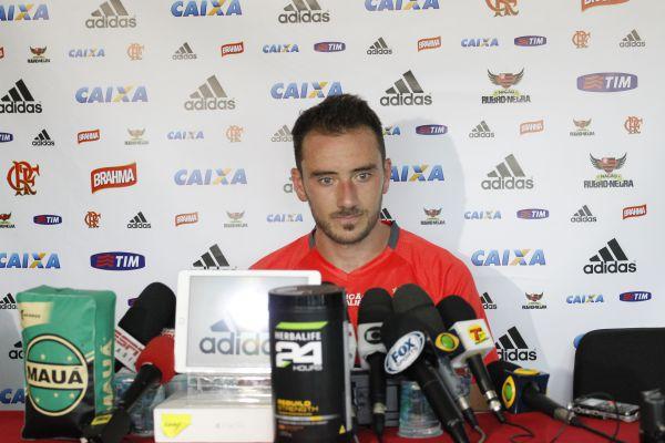 No ponto: Mancuello afirma que está pronto para estrear com a camisa do Flamengo (Foto: Divulgação)