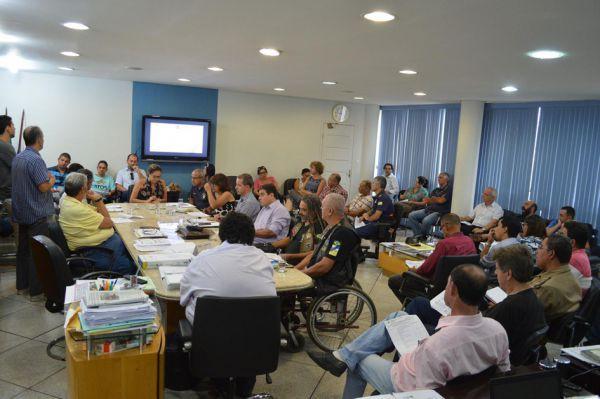 Sem parar: Reunião no gabinete de Neto decide ações contra à dengue para a próxima semana (Foto: ACS)