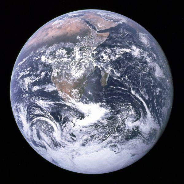 Redonda: A Terra fotografada pelos astronautas da Apollo 17 em 1972 (Foto: Divulgação)