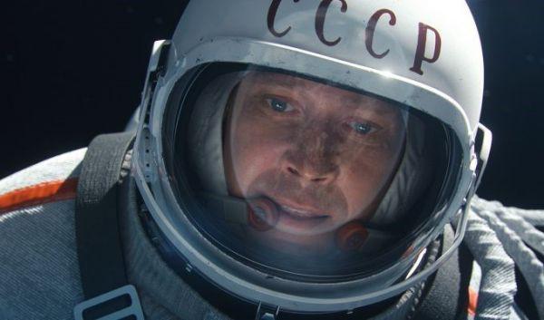 Ator: Evgeny Mironov interpreta Leonov no filme