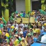 Volta Redonda: Manifestação de março passa pela Vila Santa Cecília