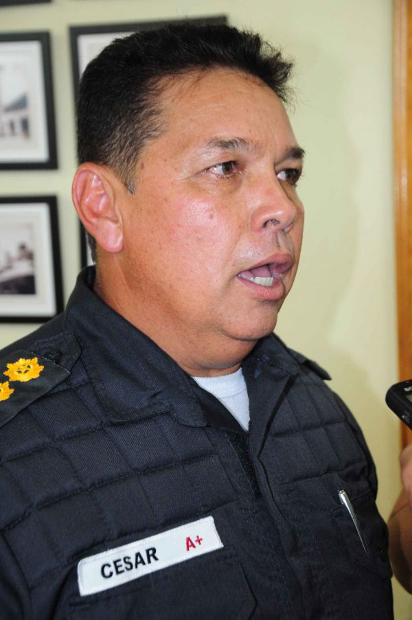 Comandante do 28º Batalhão da Polícia Militar, coronel César Augusto de Souza, disse que PM de UPP do Rio inventou história (Foto: Paulo Dimas)