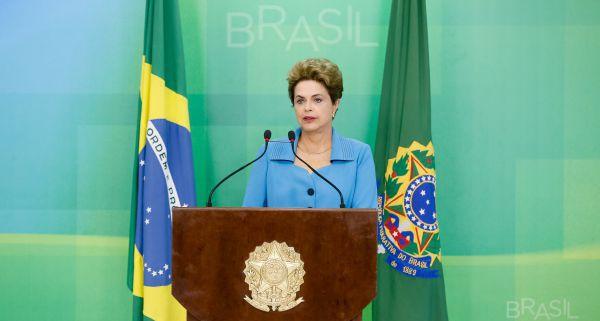 Desastre: Dilma anda queimando o filme das feministas (Foto: Fotos Públicas)