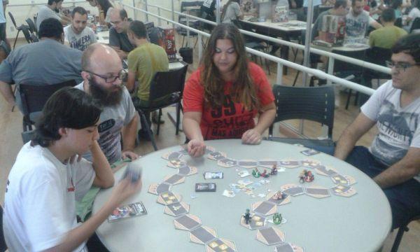 Confraternização: Evento reunirá amantes de jogos de tabuleiro; entrada é de graça (Foto: Divulgação)